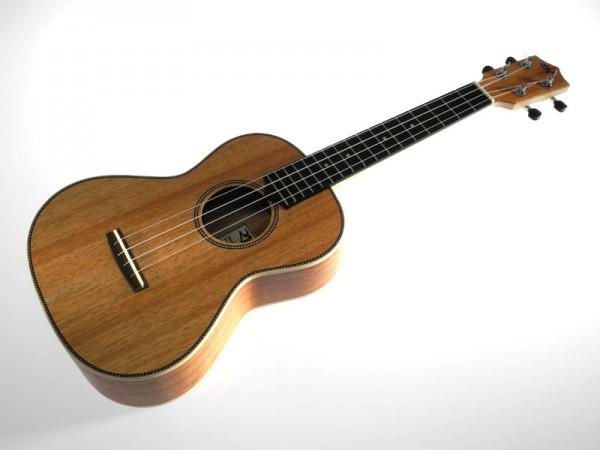 RISA Uke-Acoustic-Tenor Akazie